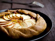 This whole wheat galette is filled with Stemilt's sweet, tart, and slightly tropical Piñata apple.