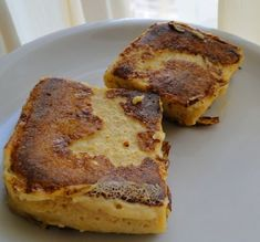 I tested this recipe for a low-carb, protein-rich French Toast from the Dukan Diet dessert cookbook. It's not the best French toast ever, but it's an healthy substitute. Dukan Diet Recipes, Low Carb Recipes, Cooking Recipes, Super Healthy Recipes, Healthy Foods To Eat, Skinny Recipes, Healthy Snacks, Healthy Eating, Dukan Diet Attack Phase