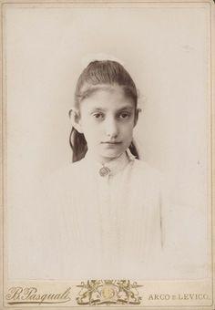 Archiduchesse Maria Antonia d'Autriche-Toscane (1874-1891) fille de l'archiduc Karl-Salvator et de la princesse Immaculata de Bourbon Deux-Siciles. Belle-soeur de l'archiduchesse Marie-Valérie