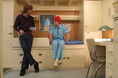 Still of Owen Wilson and Wes Anderson in The Life Aquatic with Steve Zissou