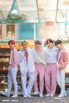 TXT Mini Album The Dream Chapter: Eternity Promotion Photoshoot by Naver x Dispatch - K-popin Korean Boy Bands, South Korean Boy Band, K Pop, Group Photos, K Idols, Photo Cards, Mini Albums, Boy Groups, Fandoms