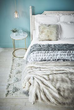 Slide View: 9: Washed Wood Bed