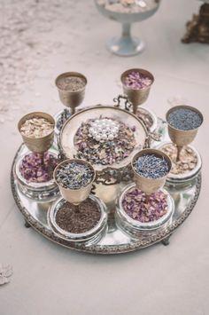 Mahr Iranian Wedding, Arab Wedding, Persian Wedding, Handmade Wedding Favours, Wedding Gift Wrapping, Wedding Gifts, Bohemian Wedding Theme, Wedding Themes, Wedding Decorations