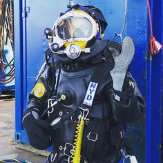 自動代替テキストはありません。 Technical Diving, Diving School, Women's Diving, Hazmat Suit, Viking Woman, Female Viking, Diving Wetsuits, Scuba Girl, Womens Wetsuit