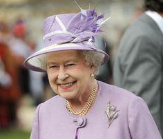 Isabel II restaura la fiesta de Navidad de sus empleados  6fd0c8ada9a