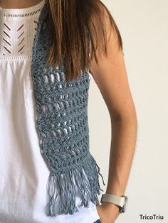 "TricoTriu: Patrón chaleco ""Denim Vest"" Crochet Circle Vest, Crochet Circles, Crochet Jacket, Crochet Cardigan, Crochet Shawl, Crochet Granny, Boho Crochet, Crochet Fashion, Crochet Top"