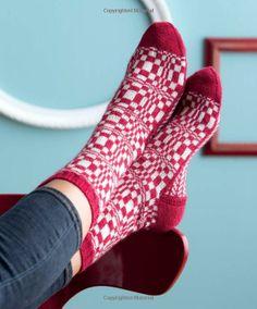 Op-Art Socks: Creative Effects in Sock Knitting: Stephanie van der Linden: 9781596689039: Amazon.com: Books