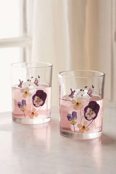 Pressed Floral Glasses Set - Urban Outfitters from Urban Outfitters. Shop more products from Urban Outfitters on Wanelo. Cheap Home Decor, Diy Home Decor, Room Decor, Style Joanna Gaines, Fleurs Diy, Farmhouse Side Table, Cute Dorm Rooms, Home Look, Decoration