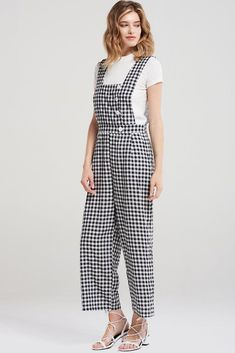 6155c22fca5 Melanie Square Gingham Romper-Black Discover the latest fashion trends  online at storets.com