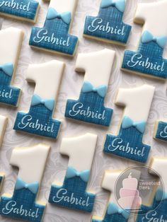 Personalized blue denim little man first birthday cookies Number 1 (one) -One Dozen Decorated Sugar Cookies - Food Blue Cookies, Fancy Cookies, Custom Cookies, Sugar Cookies, First Birthday Cookies, Baby Boy 1st Birthday Party, First Birthday Parties, Sugar Cookie Royal Icing, Cookie Icing