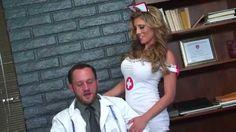 Net69 - Double D nurses Dit is een droom die uitkomt! De heetste verpleegkundigen met de grootste tieten willen je een speciale behandeling geven! http://net69.nl/bekijk/261/double+d+nurses?p=16955&pi=pinterest