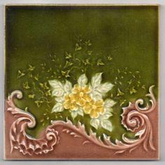 PILKINGTON MAJOLICA GLAZE ART NOUVEAU `ACANTHUS AND FLOWERS` TILE