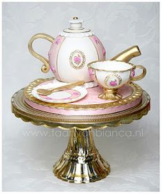 Cake of Bianca: another example for the workshop tea service