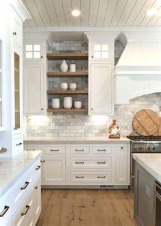 Awesome 65 Modern Farmhouse Kitchen Decor Ideas https://homeastern.com/2018/02/01/65-modern-rustic-farmhouse-kitchen-makeover-ideas/