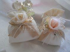 Bomboniere matrimonio comunione cresima sacchetto in piquet con fiori e merletto cod. 1H-2H