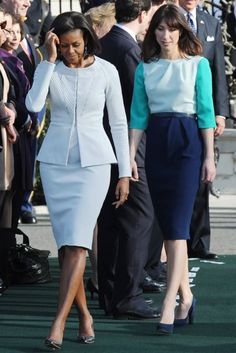 MARCH 14 2012 - Michelle Obama wore a Zac Posen sky blue skirt suit, while Samantha Cameron was in Roksanda Ilincic, for the Camerons' official arrival ceremony at the White House. Michelle Obama Fashion, Michelle And Barack Obama, Samantha Cameron, American First Ladies, American Women, American History, Native American, Look Fashion, Classy Outfits