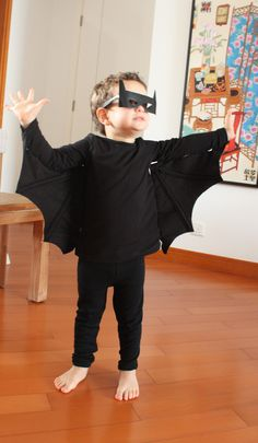 halloween costume - DIY bat EASY AND CHEAP WHAT I LIKE ;) LOL
