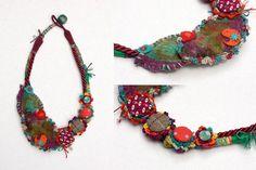 Arte Fiber colar bib crochet e sentiu jóias por rRradionica