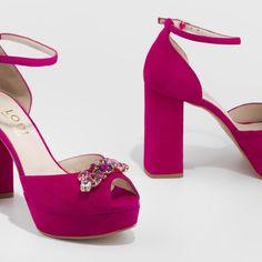 ec0e5599 Sandalia Timone en ante de color fucsia con detalle joya sobre la pala |  LODI Zapatos