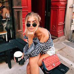 Monday... again 😅 ¡Y lo bien que van las gafas de sol para disimular la carita de sueño! Haz como @xeniaoverdose y a por el café del lunes 🔝 PD: Comentario solo para las que seguimos en la ofi 😞 ¡El resto a disfrutar de las vacaciones! 💃 #rayban #raybanround #roundglasses #fashion #style #blogger #itgirl #trend #trendy #streetstyle #instafashion #shoponline #fashiongoals #outfit #ootd #sunnies #sunglasses #shades #styled #monday #mondaymood #workinggirl