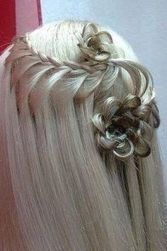 waterfall and flowers Short Hairstyles For Women, Down Hairstyles, Braided Hairstyles, Hairdos, Updos, Creative Hairstyles, Amazing Hairstyles, Beliage Hair, Hair Art