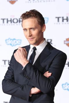 Tom Hiddleston attends the premiere of Marvel's 'Thor: The Dark World' at the El Capitan Theatre on November 4, 2013 in Hollywood, California