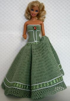 PlayDolls.ru - beautiful dress for barbie!!! no pattern, but look at how lovely!!