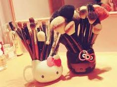 Resultado de imagen para chicas maquillandose