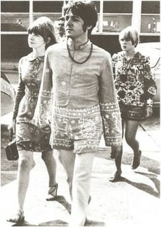 Jane Asher and Paul McCartney at Heathrow Airport en route to Athens, 1967.
