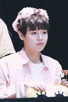 Jihoonie is the cutest ❤