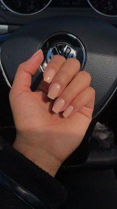 Pin on makeup / hair / nails - Nageldesign - Nail Art - Nagellack - Nail Polish - Nailart - Nails Aycrlic Nails, Chic Nails, Hair And Nails, Nude Nails, Nexgen Nails Colors, Fake Gel Nails, Stiletto Nails, Pink Shellac Nails, Beige Nails