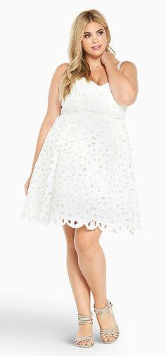 12 Plus Size White Party Dresses - Plus Size Bachelorette Party Dresses - Plus Size Bridal Shower Dresses - alexawebb.com