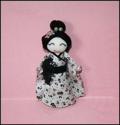 Handmade Japanese Doll Pin Miniature Doll  Pin por Finasita en Etsy
