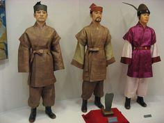 Hanbok during the Korean Three Kingdoms period Korean Hanbok, Korean Dress, Korean Outfits, Korean Traditional Dress, Traditional Dresses, Dynasty Clothing, The Bone Collector, Cultura General, Korean Peninsula