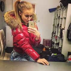 Moncler Jacket Women, Down Suit, Nylons, Down Puffer Coat, Puffy Jacket, Trendy Fashion, Womens Fashion, Hot Pants, Jacket Style