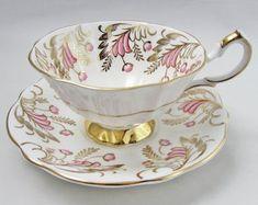 Dieser Artikel ist nicht verfügbar Tea Cups, Tableware, Etsy, Vintage Tea Cups, Craft Gifts, Dinnerware, Tablewares, Dishes, Place Settings