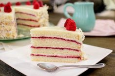 Coconut Raspberry Cake (coconut cream cheese frosting and raspberry jam) Köstliche Desserts, Delicious Desserts, Yummy Food, Cake Icing, Cupcake Cakes, Poke Cakes, Sweets Cake, Layer Cakes, Cupcakes