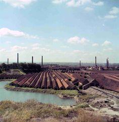 De Schorre voor Tomorrowland... een landschap van droogloodsen en onder water gelopen uitgegraven kleiputten.