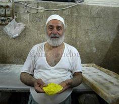 'Old baker in Souk el-Srijeh in Damascus' @anissahelou