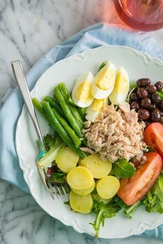 It's a glorious summer day when your lunch involves a Nicoise salad and a glass of rosé. Although, truthfully, it would be glorious with just the salad alone Healthy Salads, Healthy Eating, Healthy Recipes, Easy Summer Dinners, Nicoise Salad, Food Inspiration, Salad Recipes, Clean Eating, Food And Drink