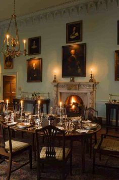 What a beautiful dining room Ireland Country House ∙ Todhunter Earle Interior Design English Country House, Home Interior Design, Dining Room Decor, Georgian Interiors, House Interior, Beautiful Dining Rooms, Dining Room Victorian, Georgian Homes, English Interior