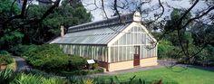 Royal Botanic Garden - Palm House & Lawn