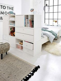 Set up small rooms: tips for more storage space - Home Decor Bedroom Studio Apartment Decorating, Apartment Design, Bedroom Apartment, Home Decor Bedroom, Apartment Living, Small Rooms, Small Spaces, Bedroom Small, Small Room Furniture