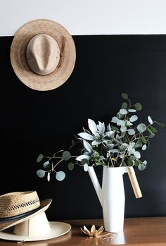 The power of a batch of freshly cut stems to totally revive a room–it's undeniable. In the spring and summer, I love a tulip or carnation (they're so pretty in bunches, give them some love, people!). But in the fall and winter, eucalyptus has my heart. Usually relegated to filler status, this leafy green can stand on its own in your cool-weather displays. Just look to these four beautiful eucalyptus arrangements as proof.