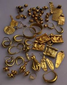 Gold jewelry. Late Canaanite period, 13th century BCE. Although Late Canaanite jewelry was receptive to various influences, principally from Egypt, the particular character of this jewelry is mainly fashioned in the Canaanite style.