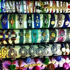 Coleccion de #pulseras, agotadas en el último #showroom..