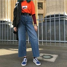 Pin by 💕loverboy💕 on cute outfits Look Fashion, 90s Fashion, Korean Fashion, Fashion Outfits, Fashion Trends, Looks Hippie, Vintage Outfits, Vintage Fashion, Streetwear