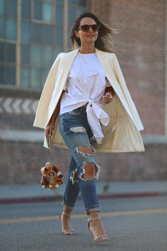Caped  To find out all the details about this outfit on Melanee Shale, click here!  via @AOL_Lifestyle Read more: http://www.aol.com/article/lifestyle/2016/10/16/street-style-tip-of-the-day-caped/21583046/?a_dgi=aolshare_pinterest#fullscreen