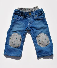 This innovative pair boasts the stylish look of jeans with all of the comfort of a pair of pull-on pants thanks to the stretchy knit waistband. The built-in knee pads hold a fun squeaker, so little crawlers are easy to keep track of when they're exploring their surroundings.100% cottonMachine wash; tumble dryMade in the...