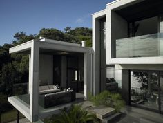 Karaka Bay House - great exterior design 3